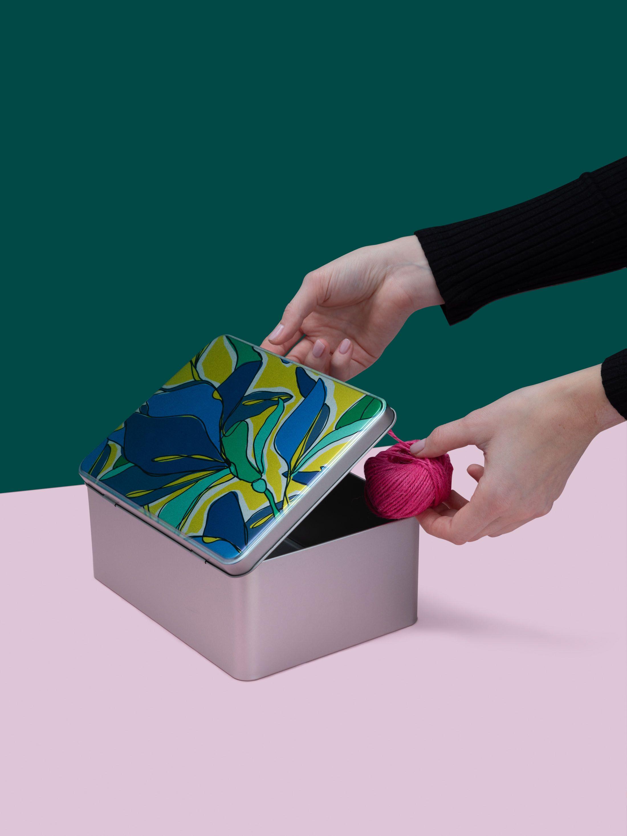 metal tin box for sewing kit