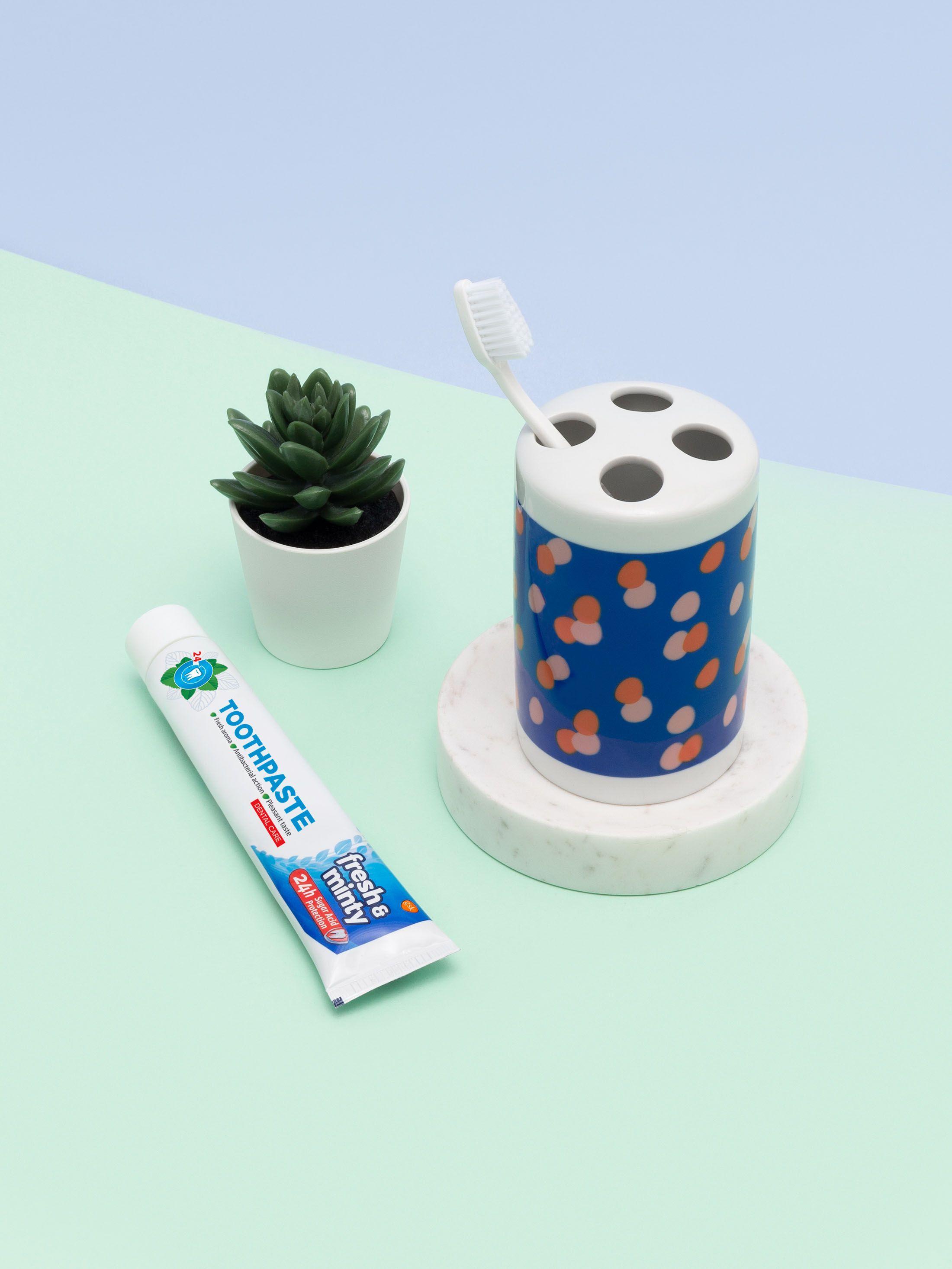 Arrière du porte brosses à dents design