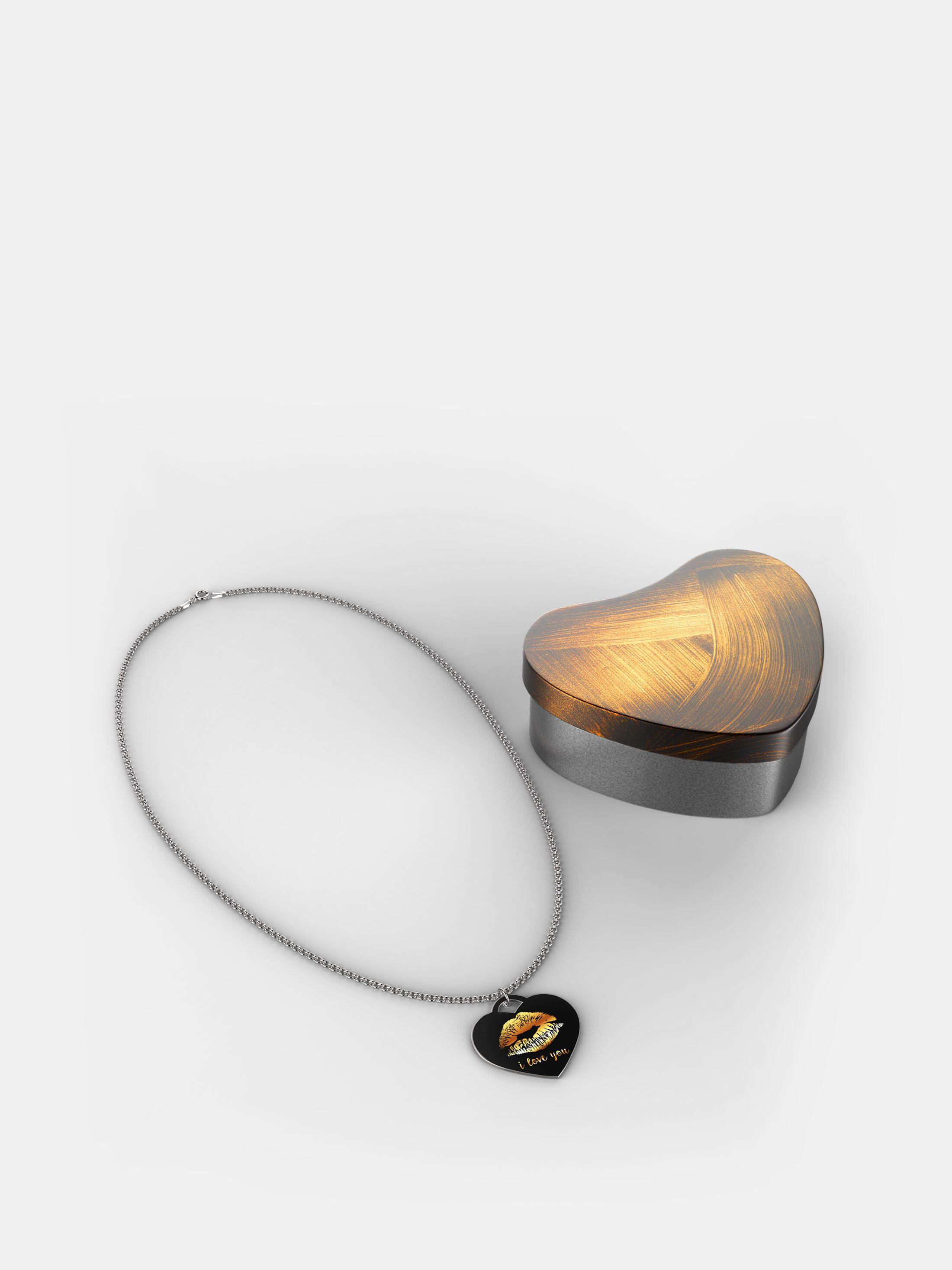 collana d'argento a forma di cuore con stampa