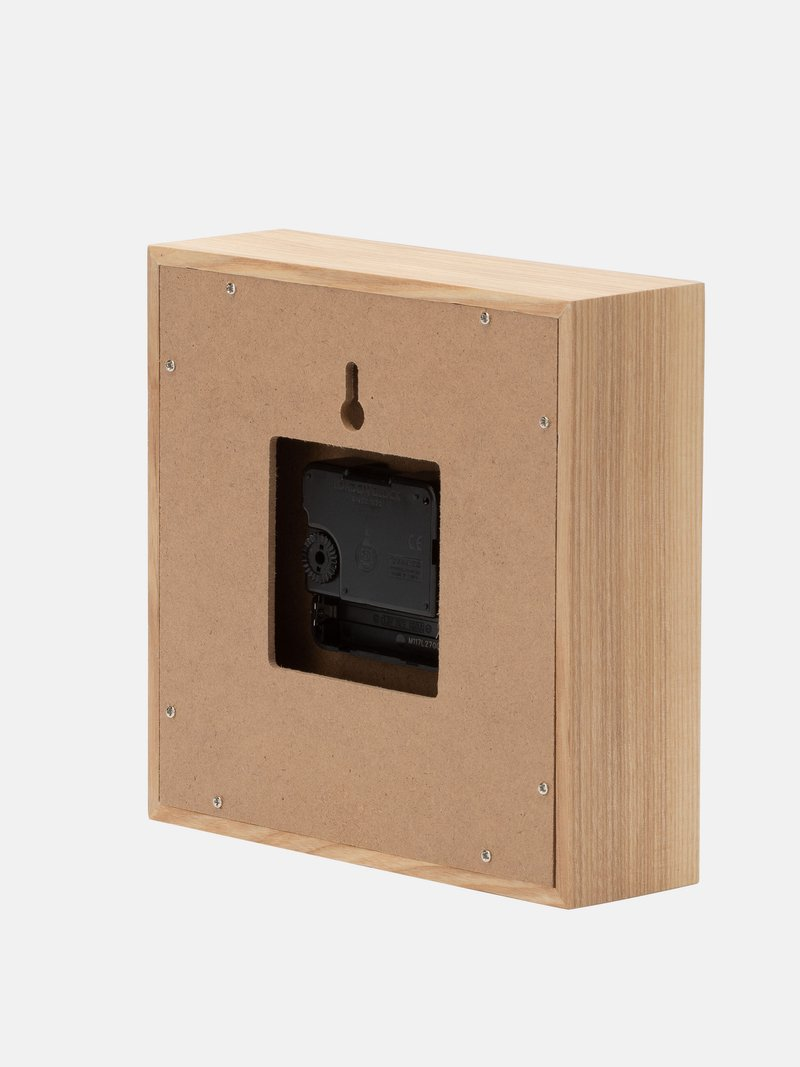 Horloge avec design de forme rectangulaire