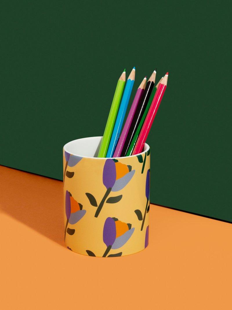 custom pen pot