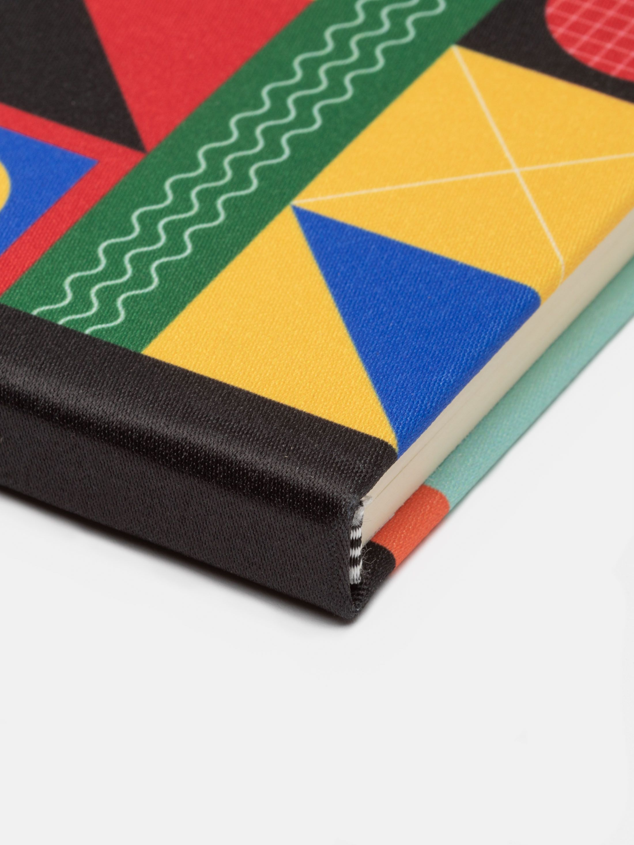 かわいらしいデザインを印刷 オリジナル手帳