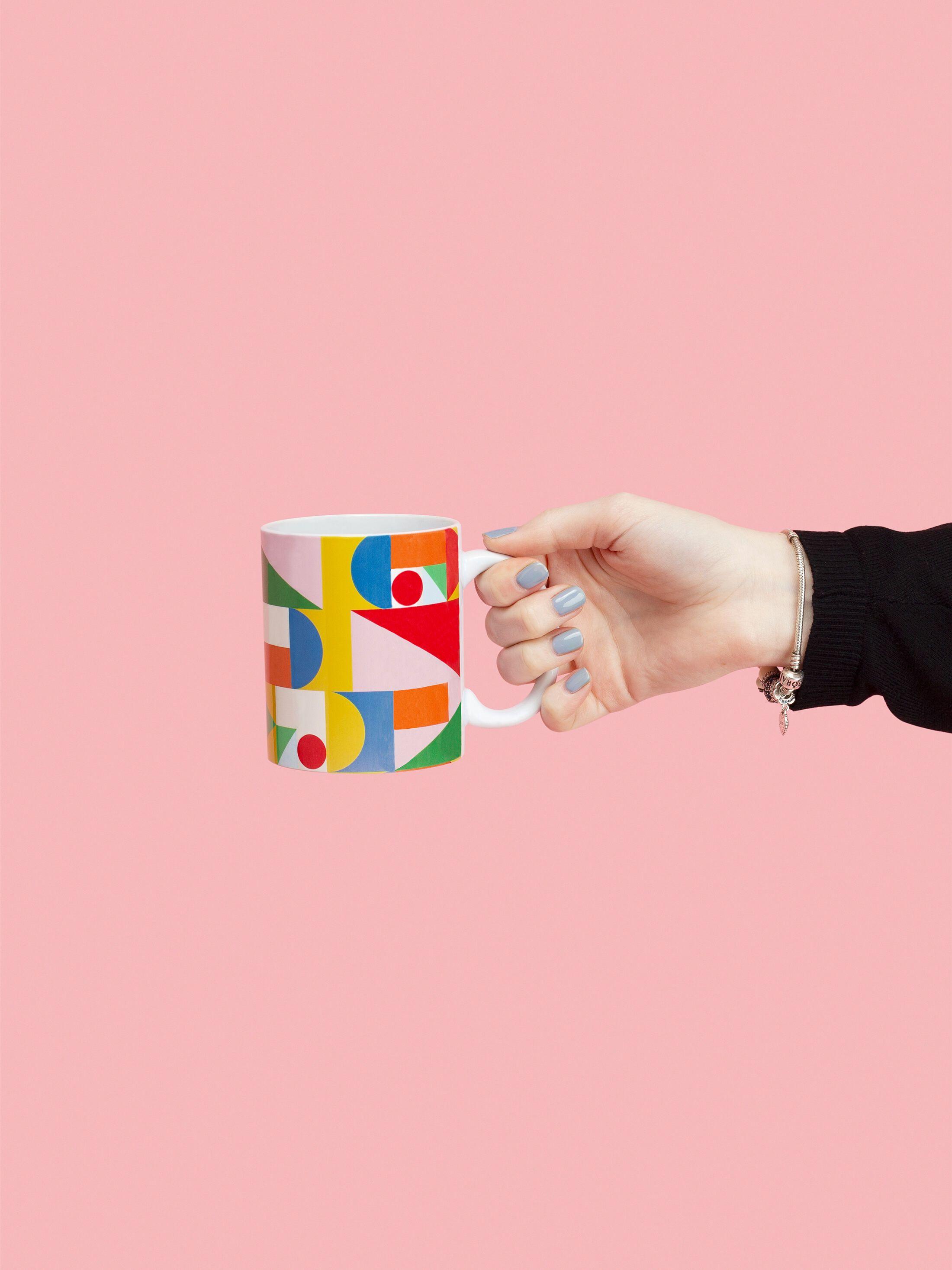 custom mugs close up