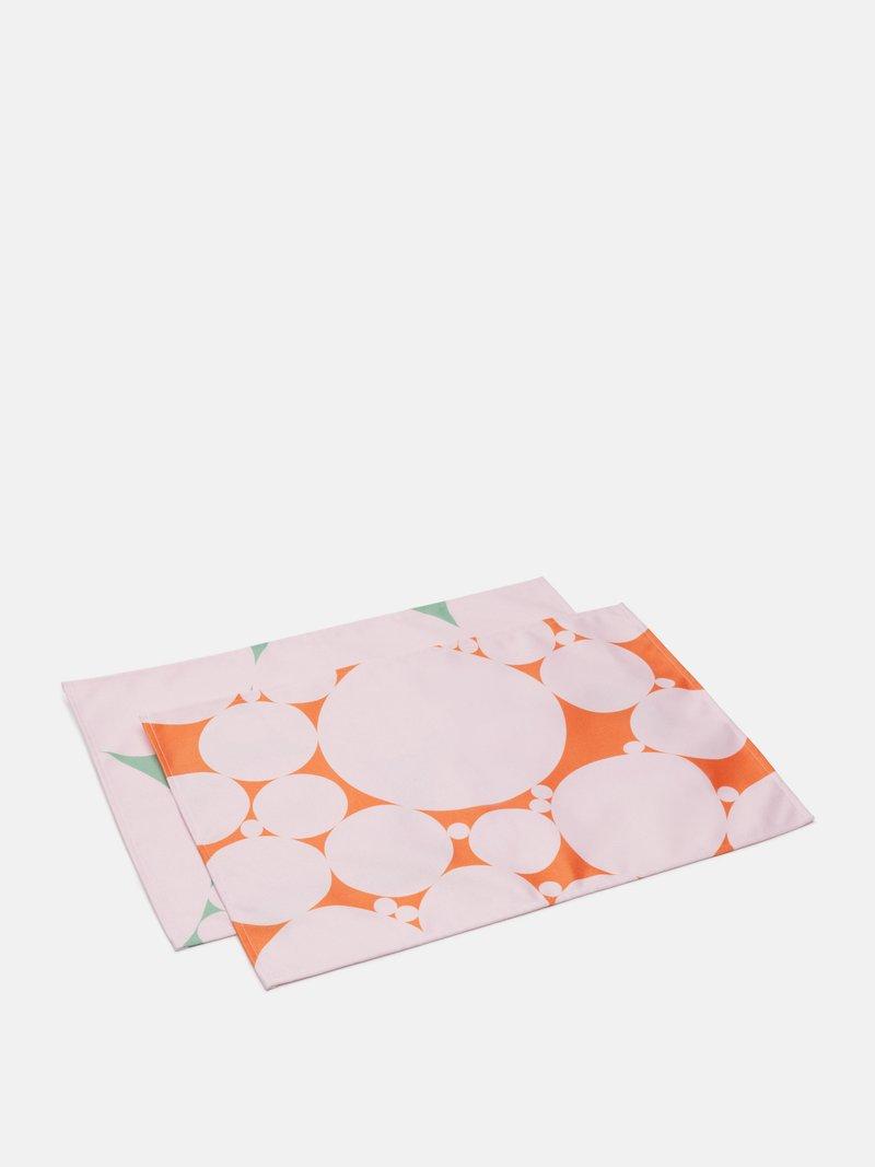 tischsets lila designs nahaufnahme