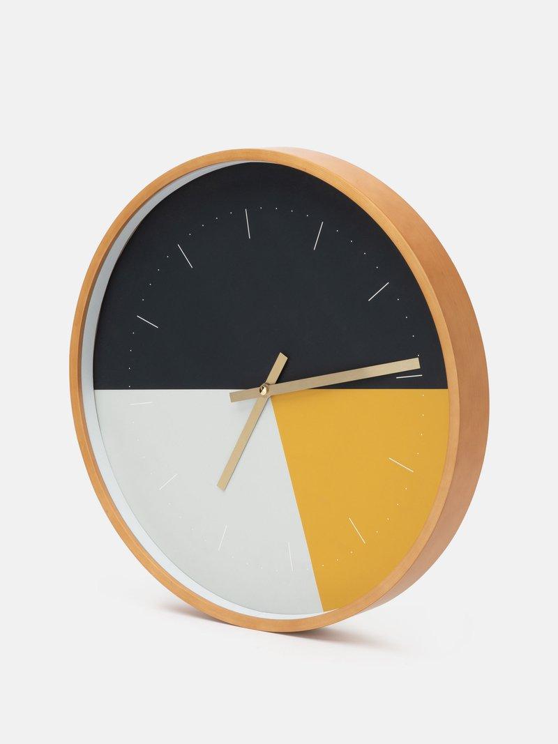 närbild på klockmekanism