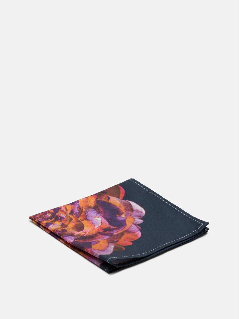 Mouchoir imprimé avec design