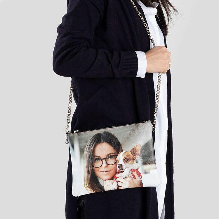 Personlig handväska med axelkedja
