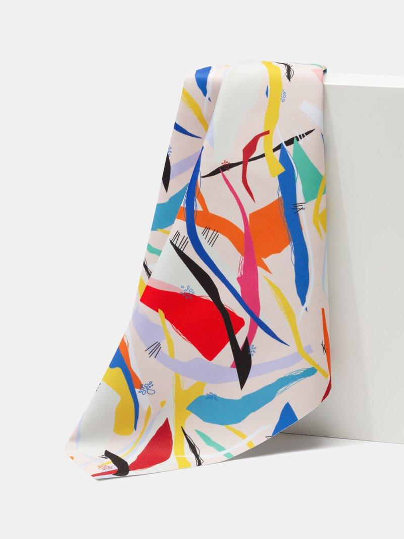 Blackout fabric folds