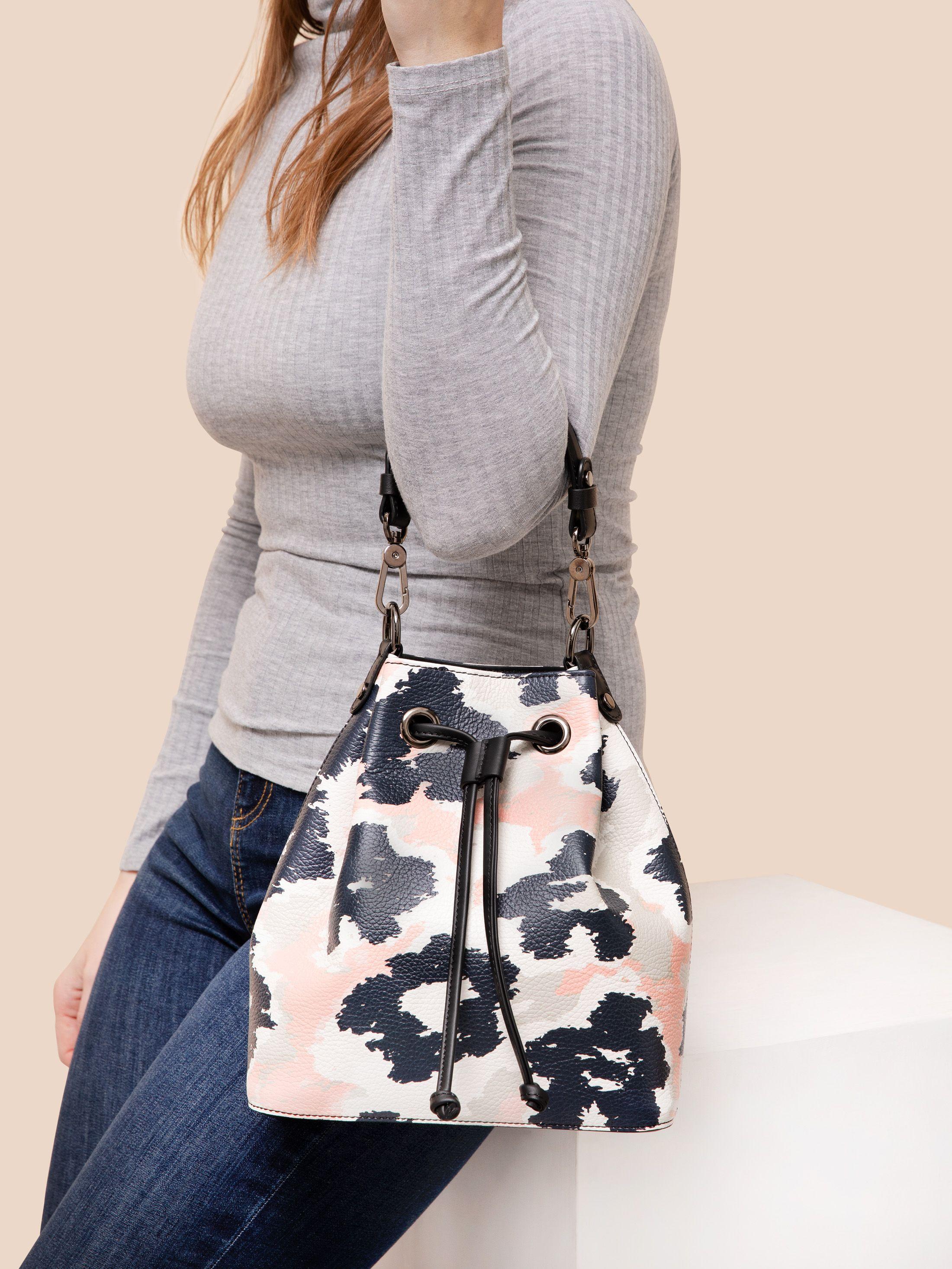 Egendesignad handväska i läder