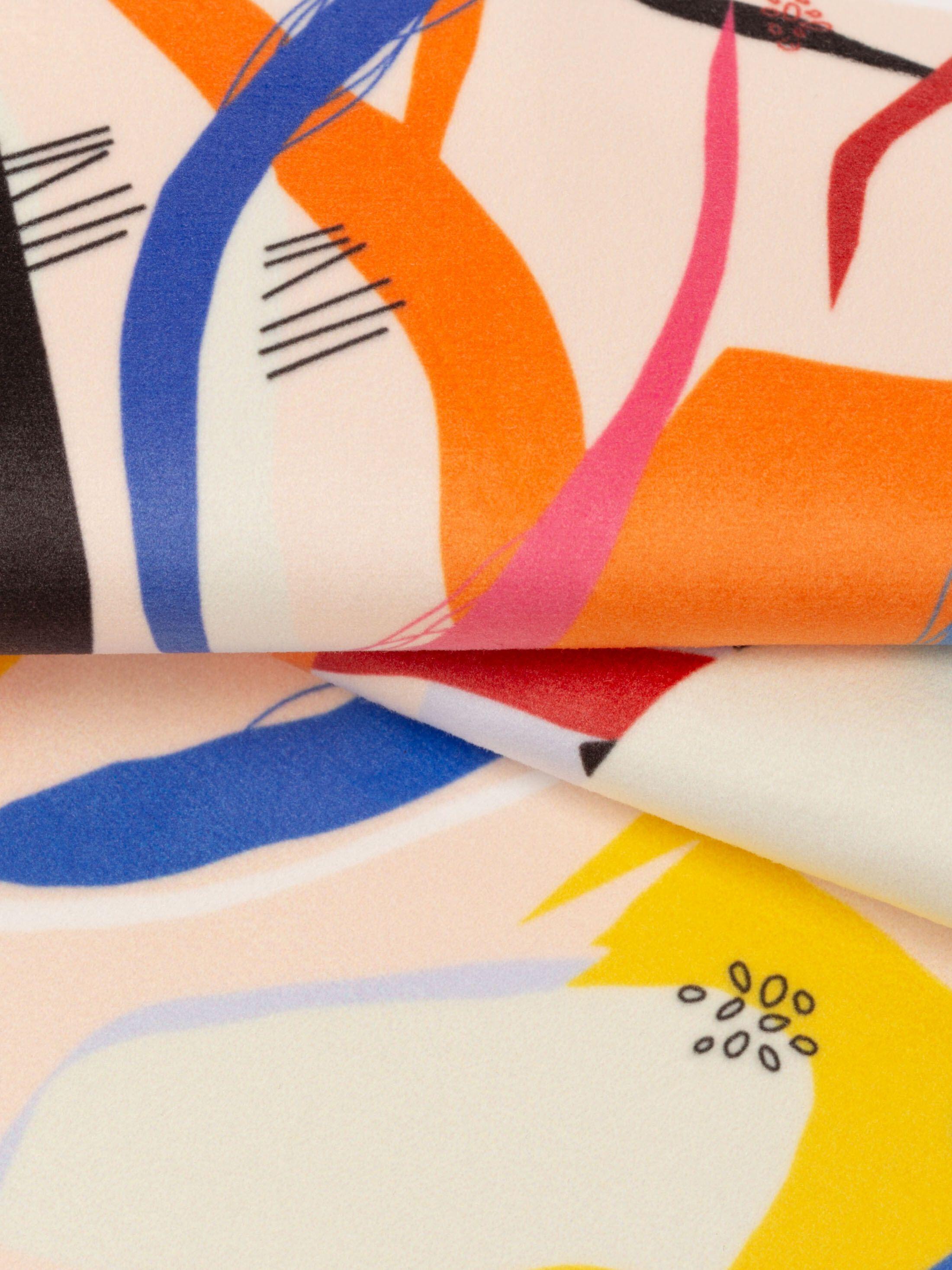 Impression coloré sur le tissu d'ameublement en velours