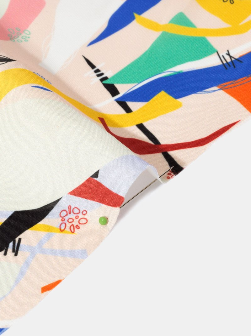 Tissu polyester satin léger et brillant
