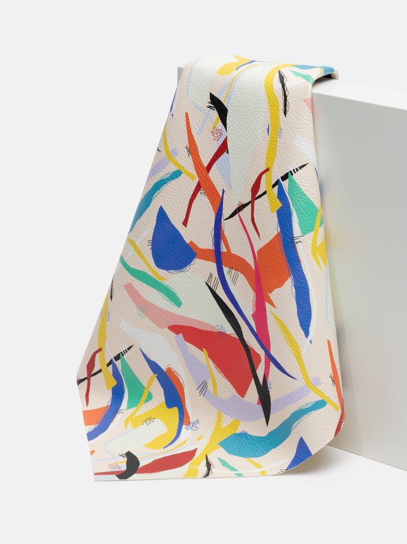 Möbeltapetsering konstläder med eget mönster