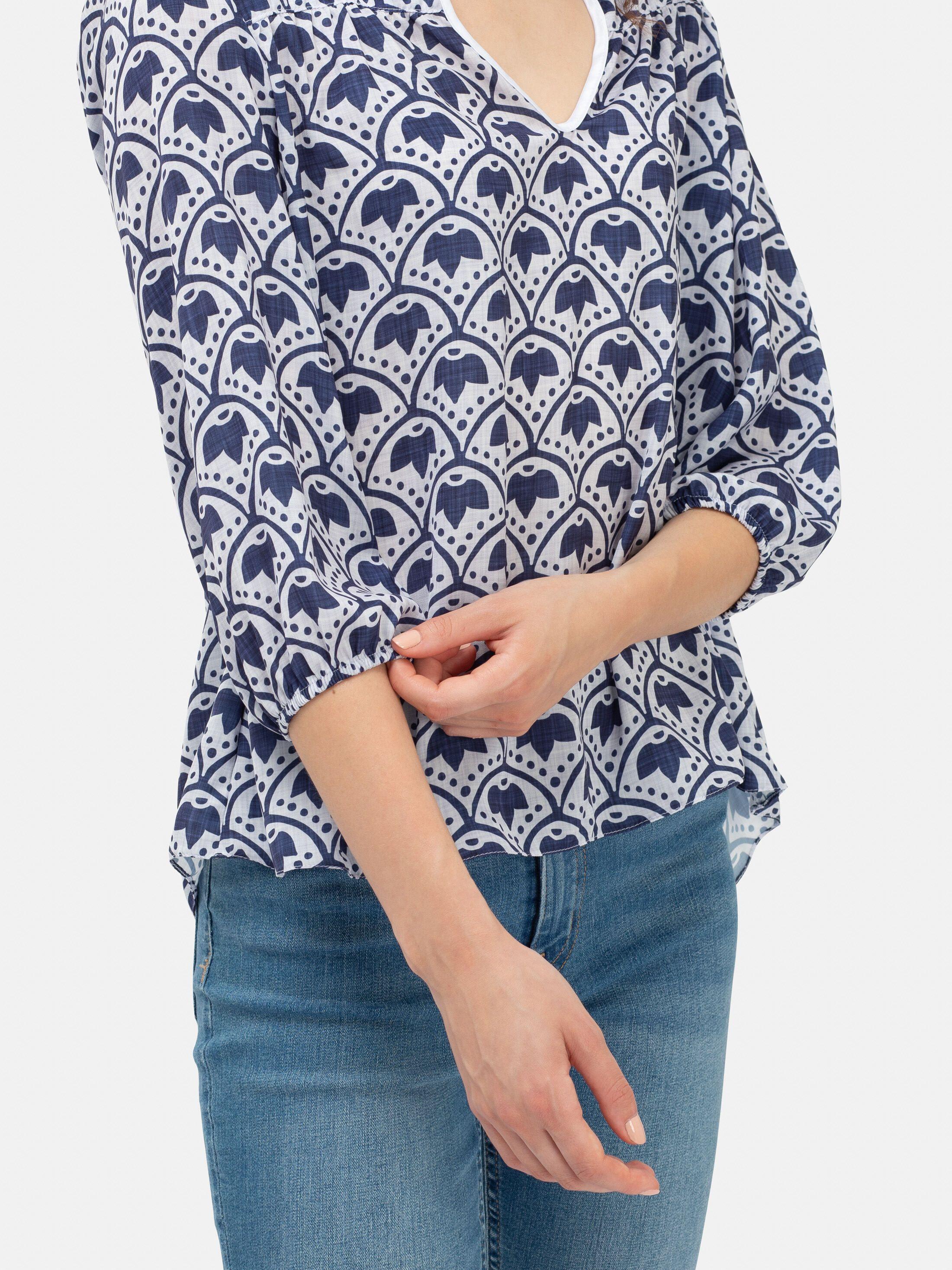 Détails de la blouse imprimée