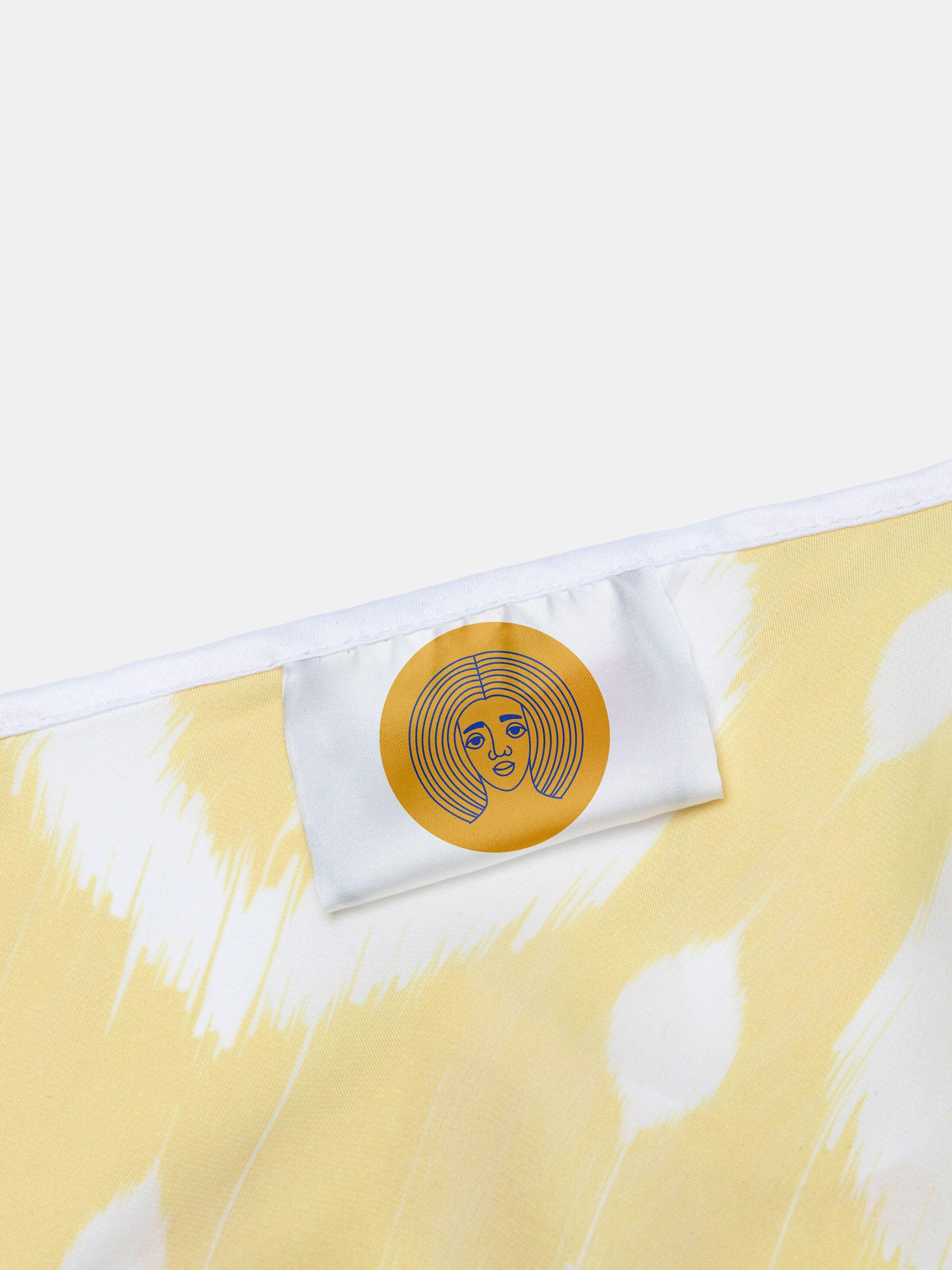 Col de la blouse imprimée