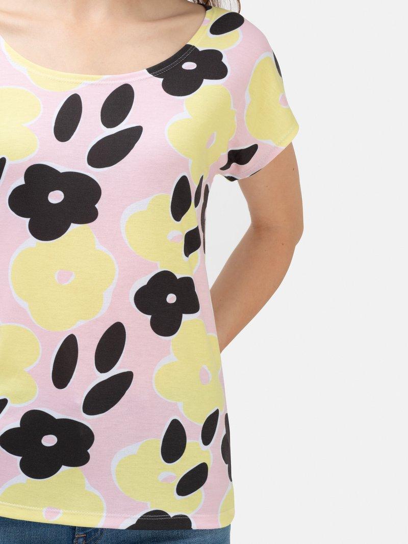 女性用Tシャツに全面プリント