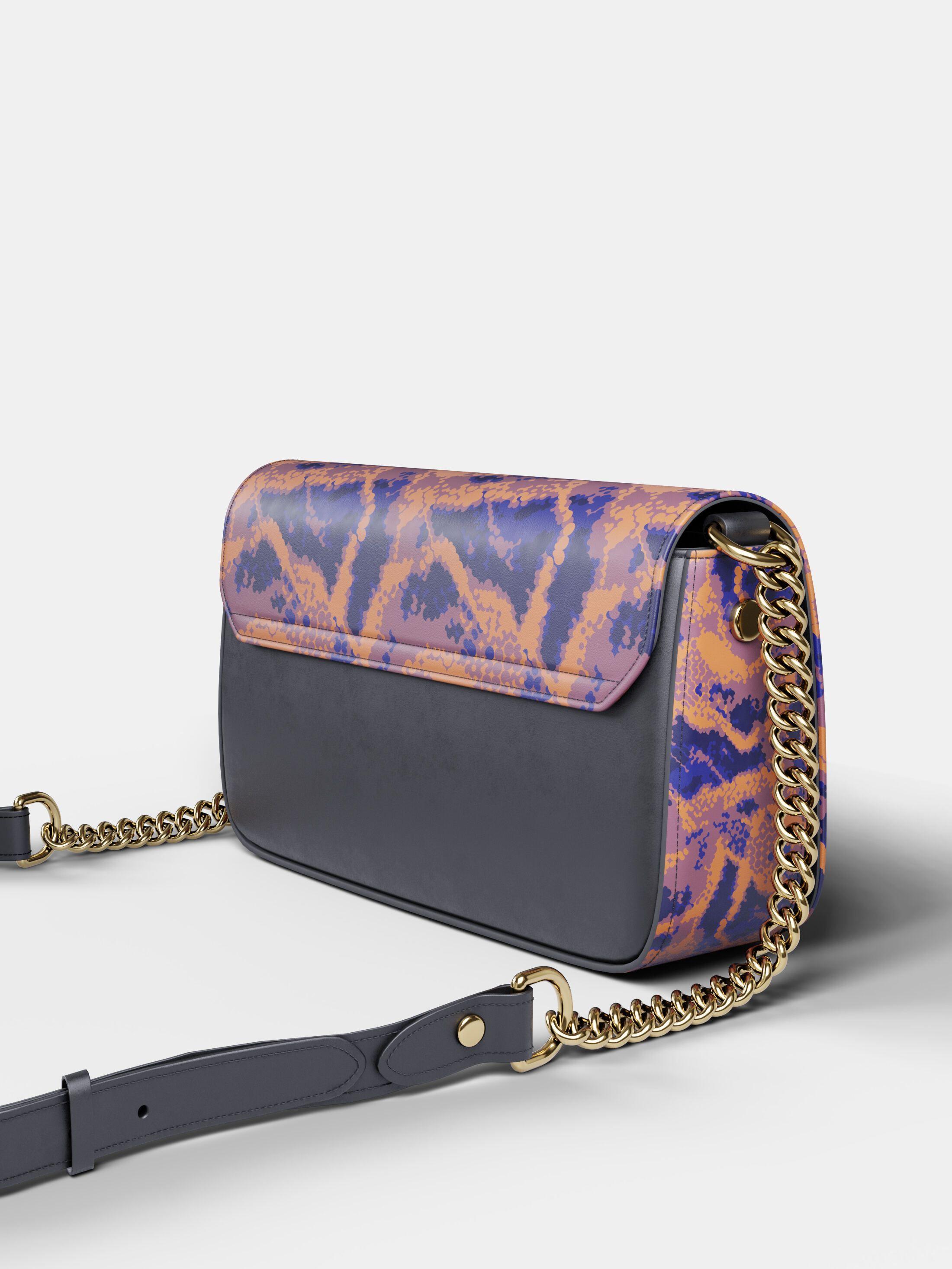 borsa personalizzata con patta e tracolla