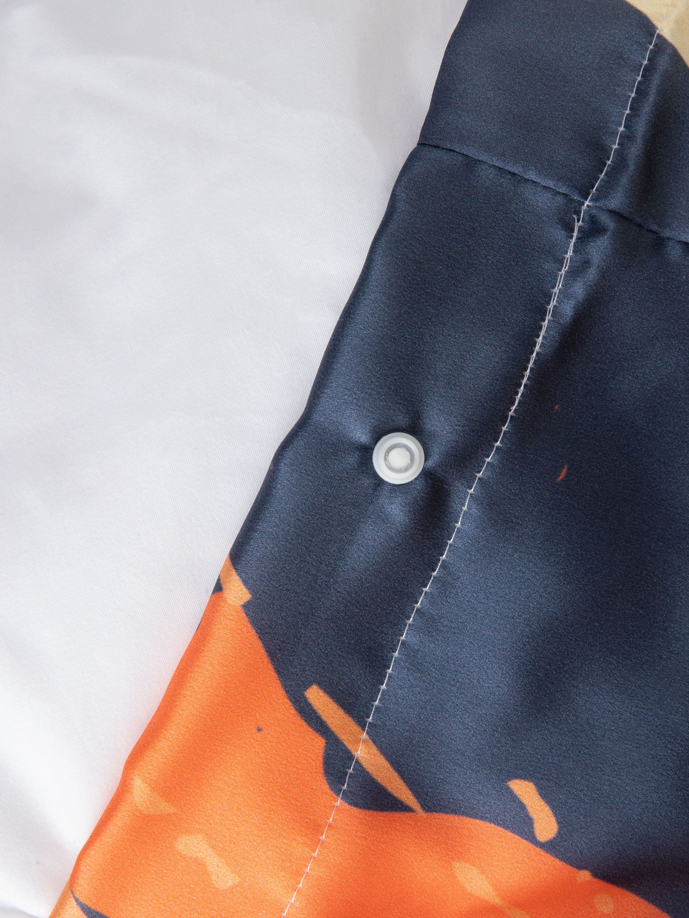 gepersonaliseerd zijden dekbedovertrek met drukknopen