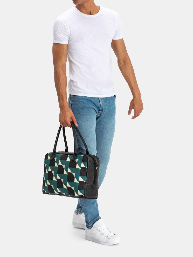 egendesignad holdall-väska