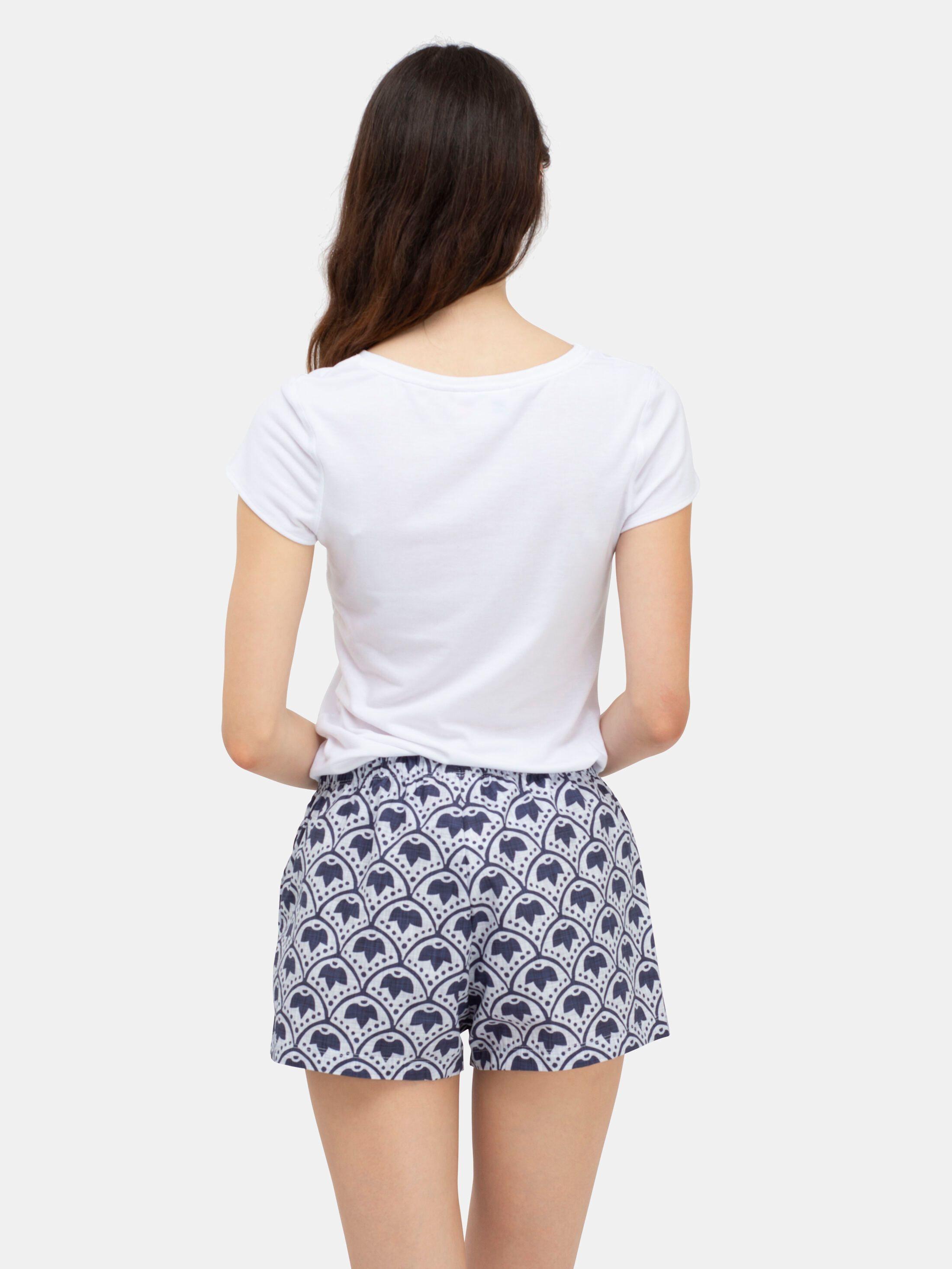 女性用パジャマズボンにデザイン