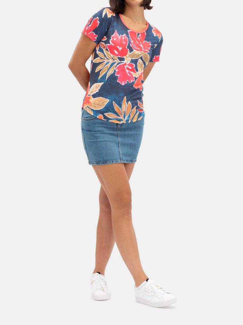 Design your own women's custom slim fit t-shirts