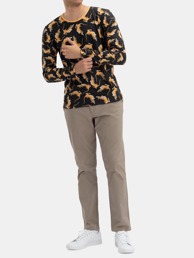 Men's Custom Fit Long Sleeve T-Shirt